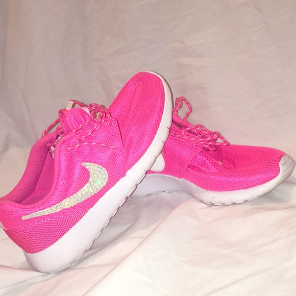 2138ee141179 Gently used customized Nike Roshes. M 5ab2ff91f9e5016a5c73b6d5